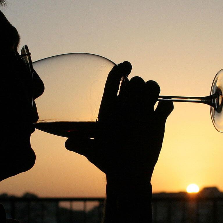 sorso di vino